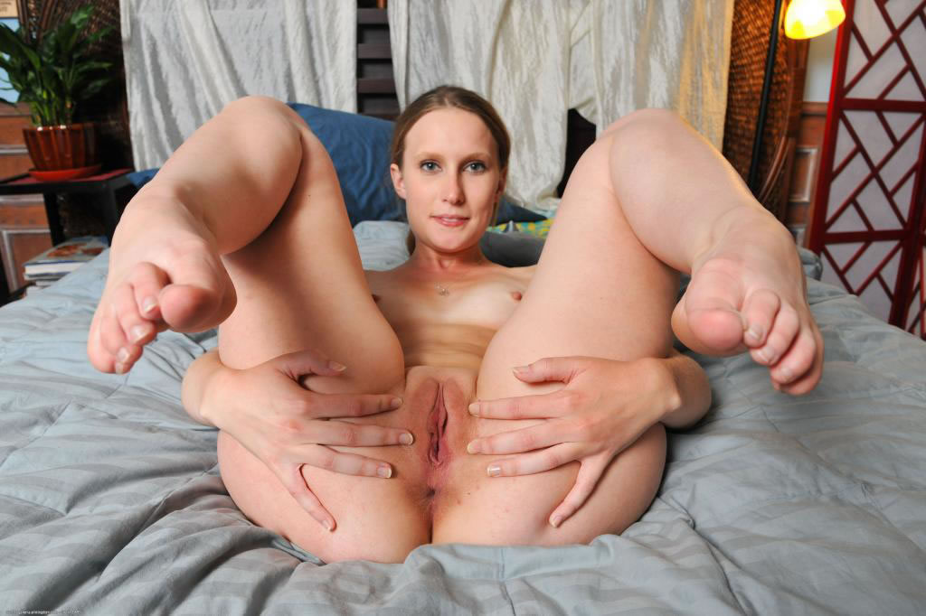 Amateur Girls Photos and Videos